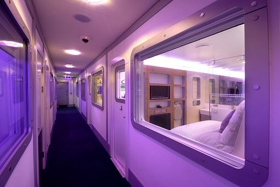iGTN-YOTEL-Premium-cabin-corridor-viewYT1