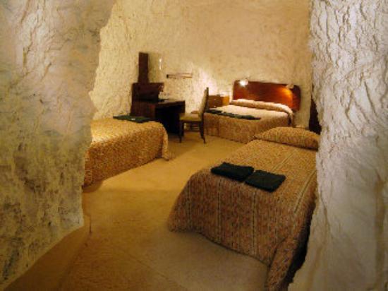 underground-motel